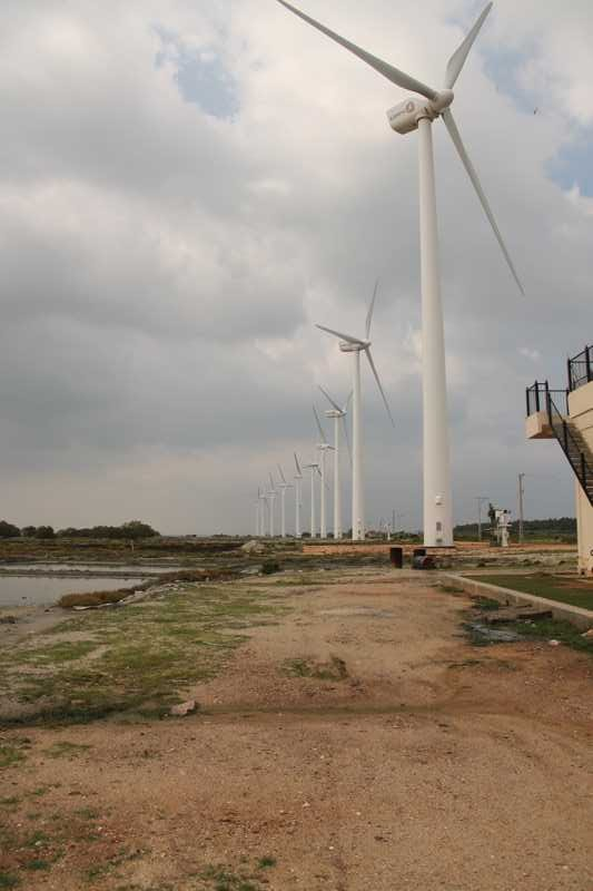 Puttalam Wind power plant-Seguwantivu and Vidatamunai Wind Farms