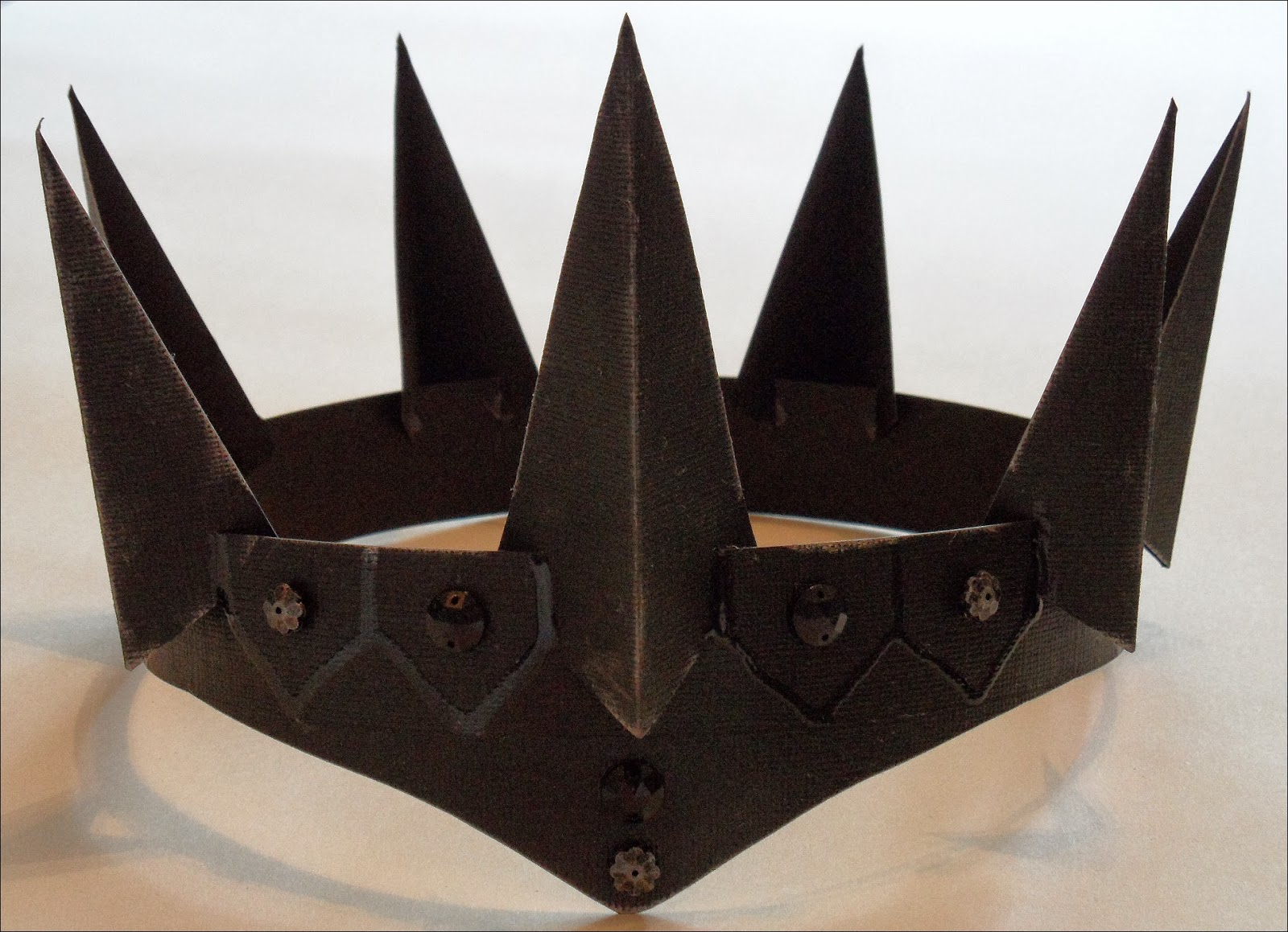 Esselle Crafts: DIY Evil Queen Crown