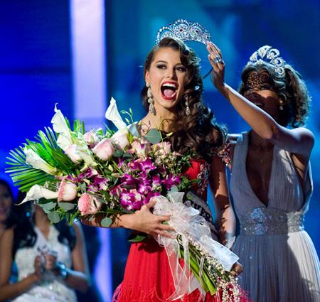 Critical Beauty: Miss Universe 2009