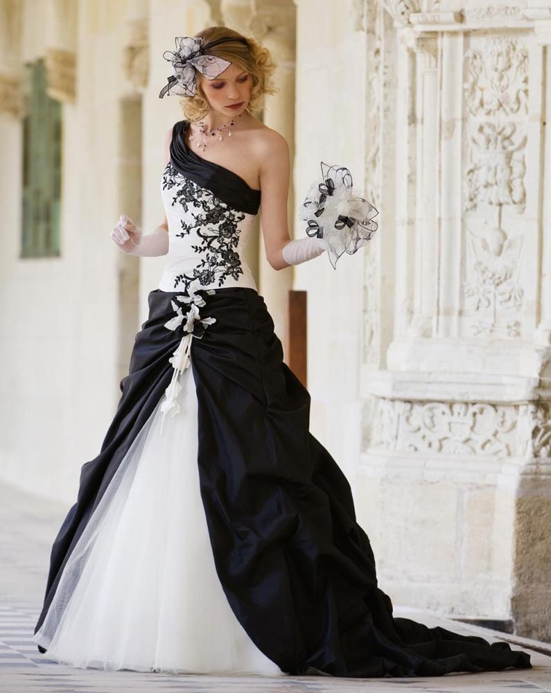 Matrimonio e Matrimoni: abiti da sposa 2013 atelier Stile di Sara Roma