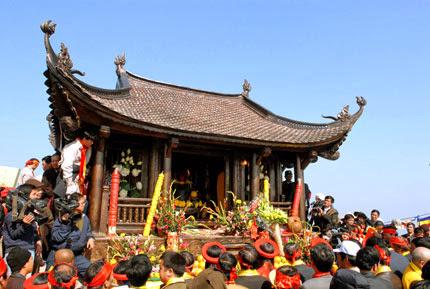 Cho thuê xe 16 chỗ đi Yên Tử tại Hà Nội