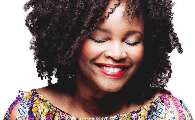 Selma Uamusse põe todos a dançar ao som dos ritmos moçambicanos
