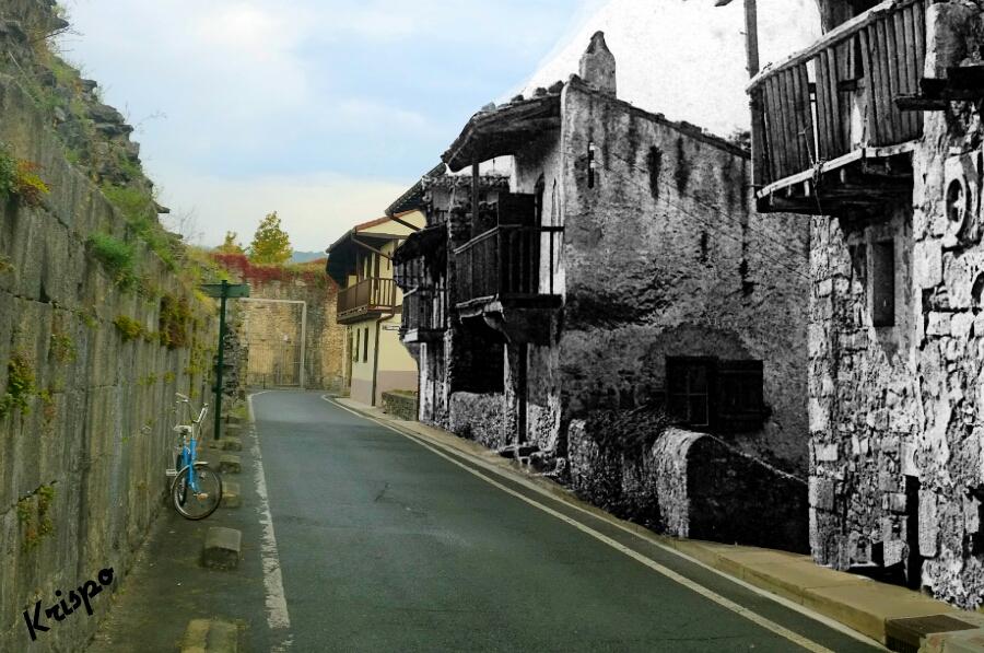 mezcla de fotografia antigua y nueva de hondarribia