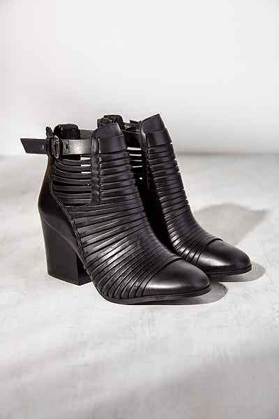 http://www.urbanoutfitters.com/urban/catalog/productdetail.jsp?id=33276841&parentid=W_SHOES_BOOTS#/