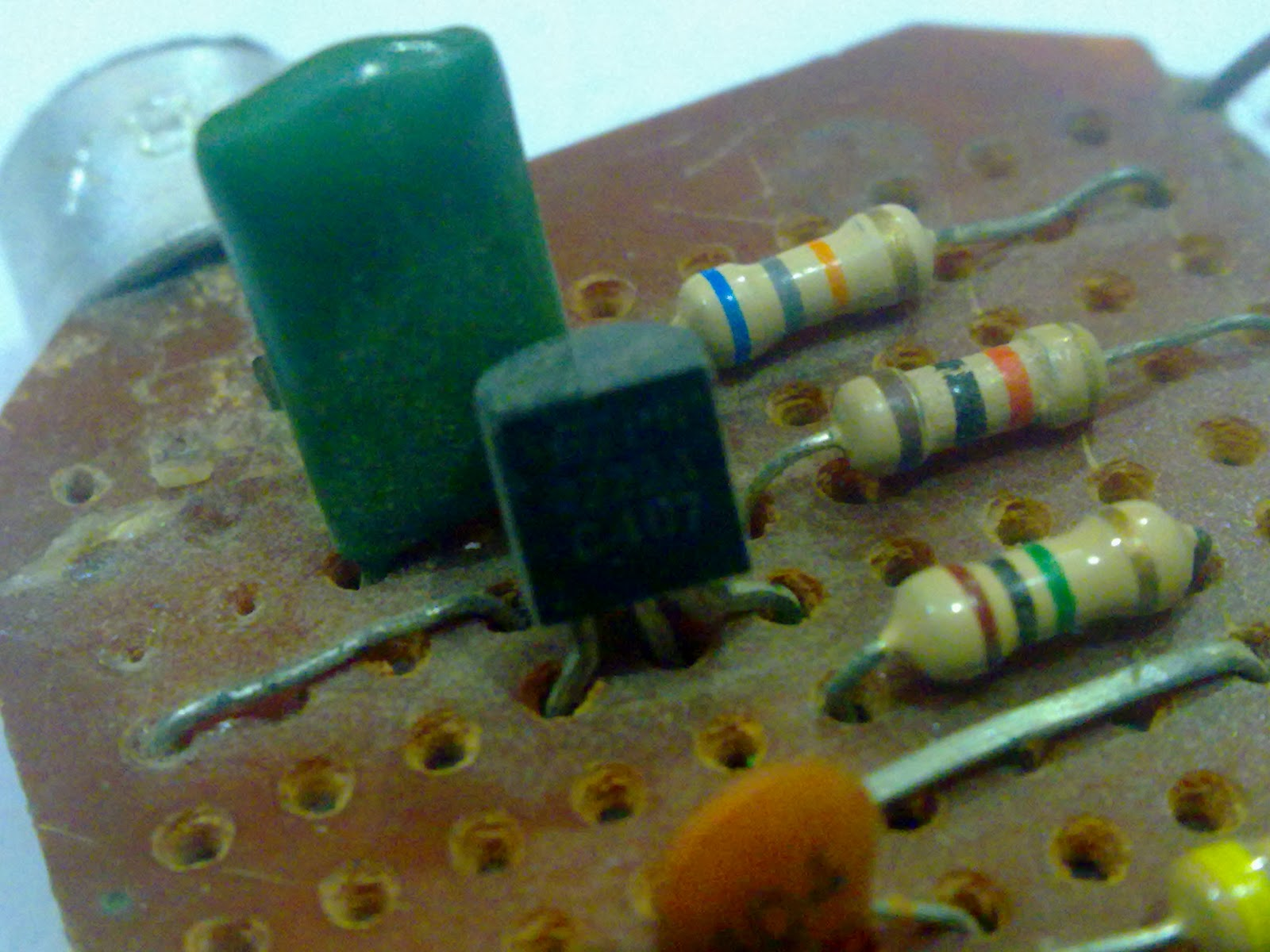 simple fm transmitter with a single transistor by 2n2222 index