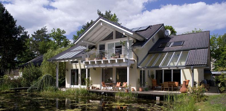 Tenere al caldo in casa copertura tetto in legno quanto costa for Case moderne in legno prezzi