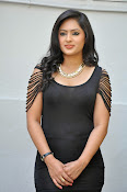 Nikesha patel latest glam pics-thumbnail-14