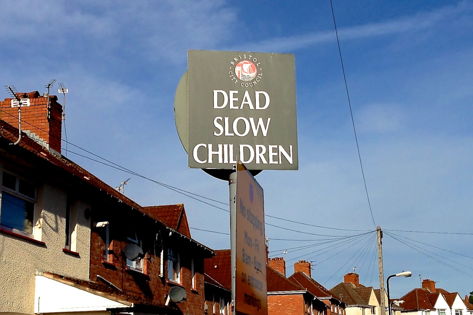Dead Slow Children road sign