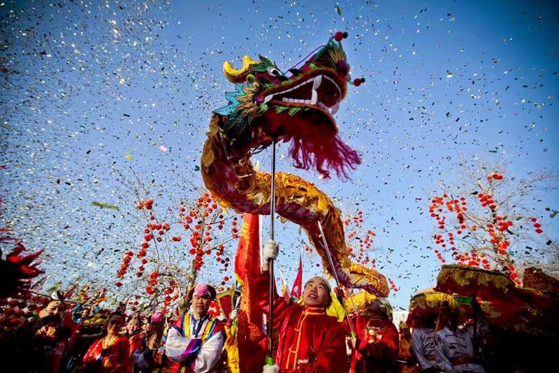 Diálogos con acontecimientos, predicciones, anécdotas y agenda del  año 2015 - Página 2 Rituals-of-Love-for-Valentines-Day-Chinese-New-Year-February-10-2013