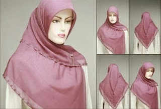 Tips Cara Memakai Jilbab Segi Empat Modern