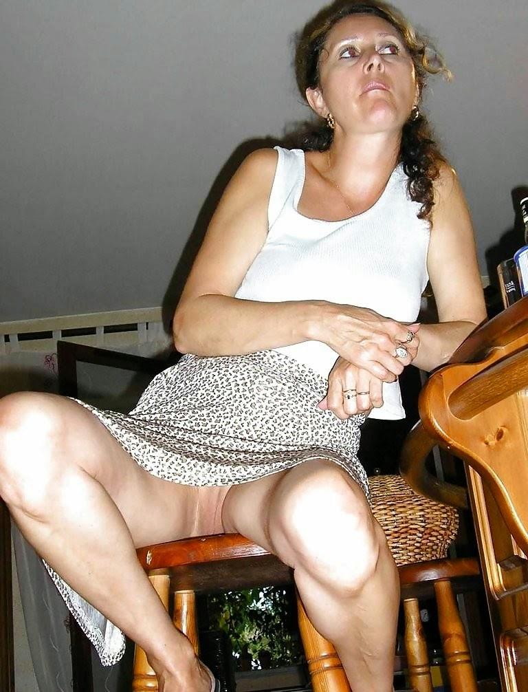 Под юбкой у девушек фото: Смотреть порно под юбкой: http://podubkoi.blogspot.com/2014/10/blog-post_2.html