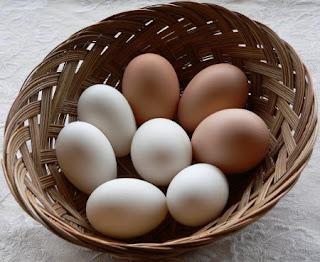 Vóc dáng cân đối với trứng và ớt.