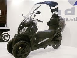 scooter tetto,scooter pioggia,scooter vento,moto tetto,scooter tettuccio,scooter a tre ruote,tre ruote,scooter 3 ruote,scooter tetto,scooter usati,maxiscooter,tettuccio retrattile,tettuccio gonfiabile