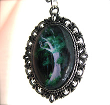 Secret Grove pendant necklace