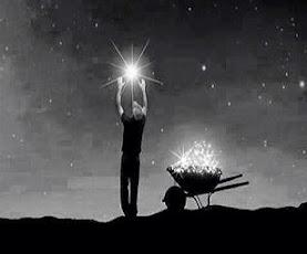 Δεν αρκεί να περιμένεις να ξημερώσει για να δεις το φως... πρέπει να μαζέψεις όλα τ' αστέρια...