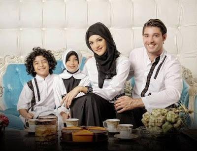 Desain Busana Muslim Lebaran Untuk Keluarga