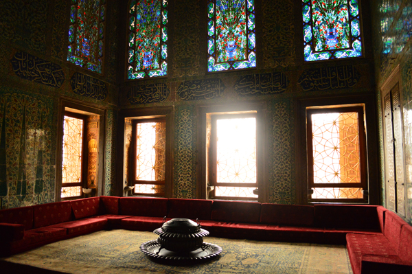 catching the lights and colours inside topkapi