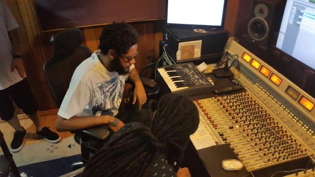 Emicida e Rael finalizam participação em disco de rap luso-brasileiro