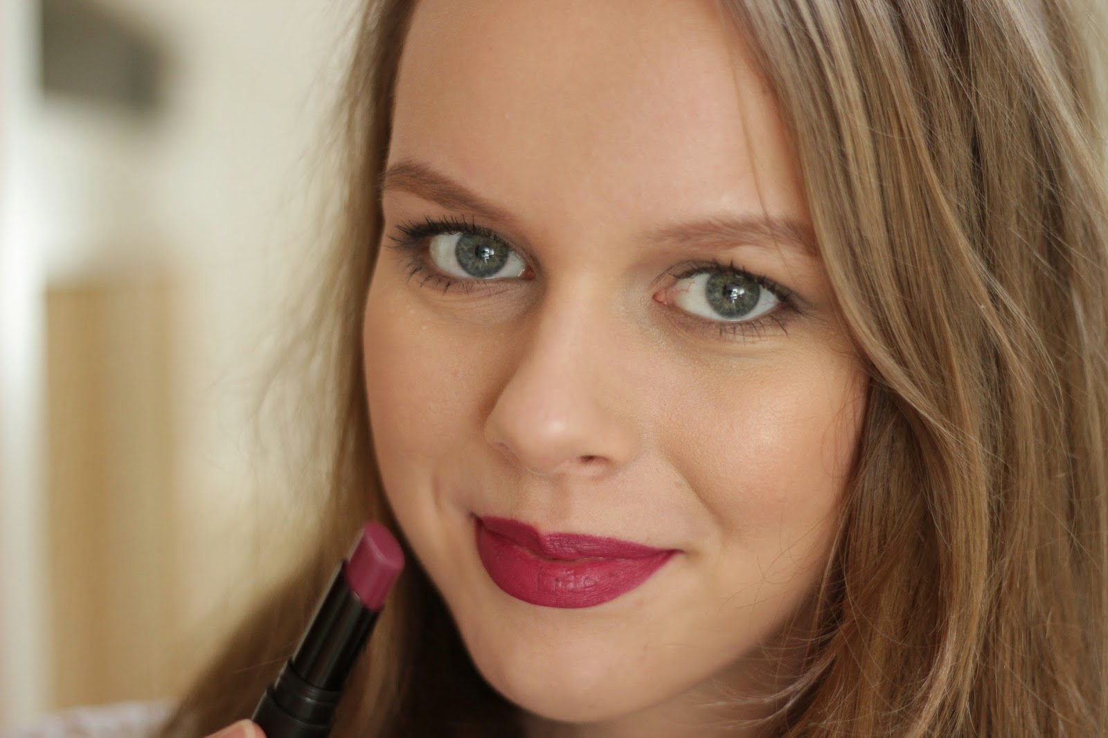 review catrice ultimate stay lipstick plum & base
