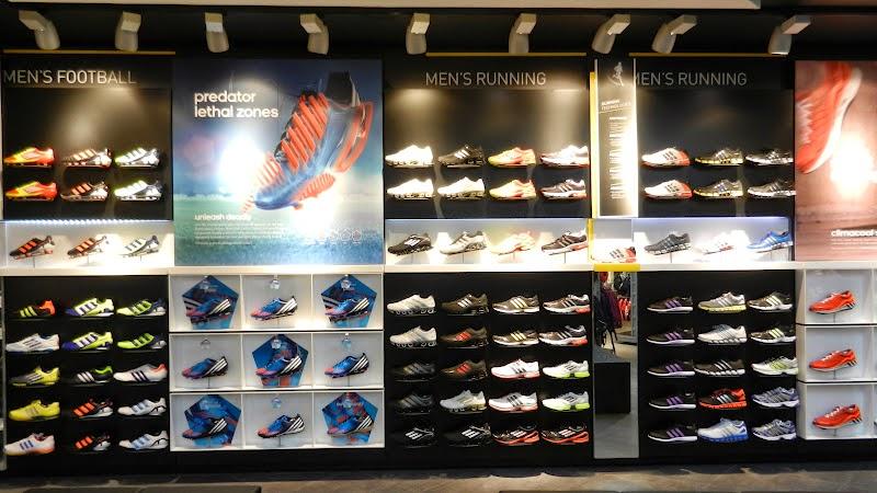 Tênis de corrida e futebol em Miami e Orlando   Adidas