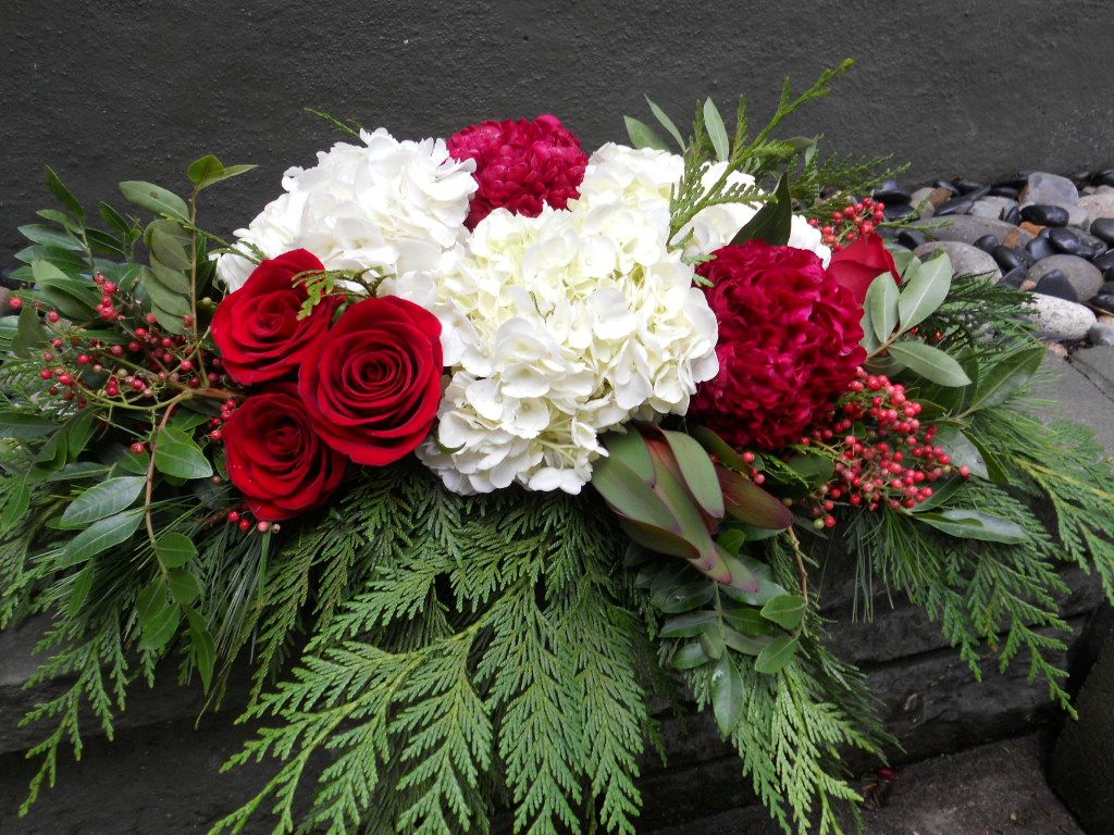 I love flowers winter holiday florals
