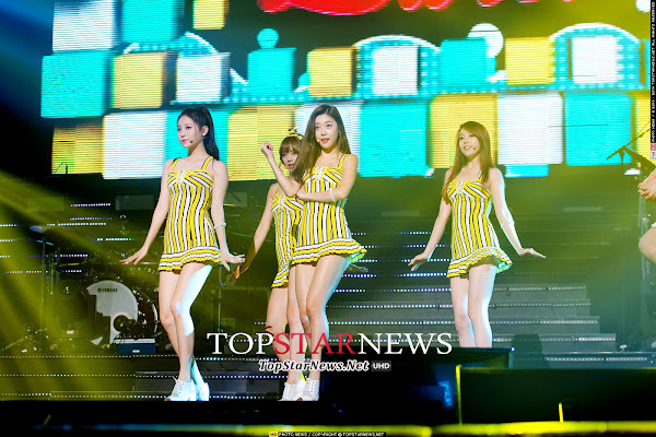 Girl's Day Darling Live