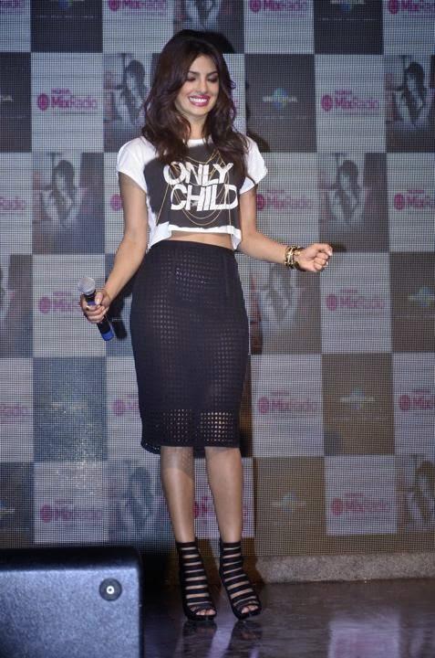 Rok Transparan Priyanka Chopra