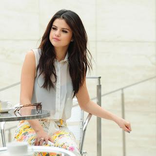 Selena Gomez 2013 sexy dressing