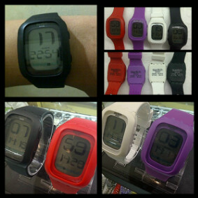 JAM TANGAN SWATCH TOUCH