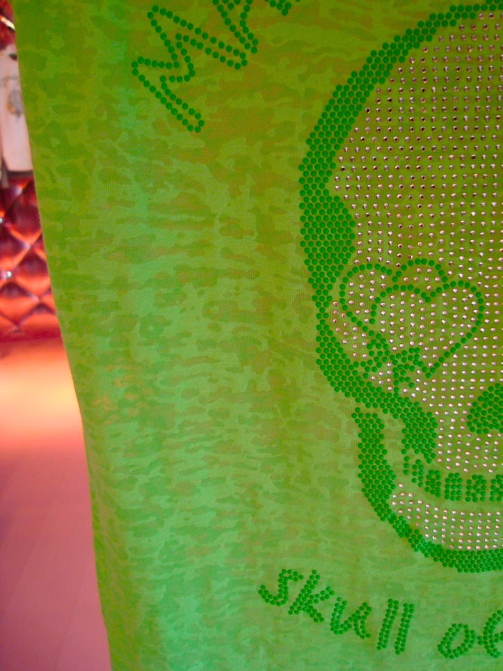 maison espin, brigitte bardott, cannes, saint tropez, skulls of love,   swarowsky decoration, show room in milan special edition collection , skull graphic, fluo,  charms, fluo tees, maxi maglie con grafica skull, outfit blog, fashion blogger, cool hunting website,