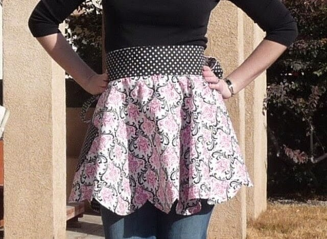 Retro Reversible Scalloped Apron