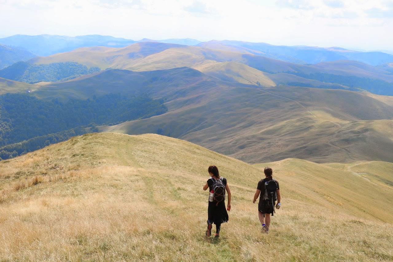 Ciucaş X3, concurs de alergare montană. Ultramaraton 105 km, Maraton 42 km şi Semimaraton 21 km. Peisaj superb
