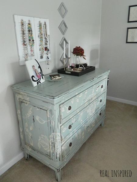 blue dresser jewelry organizer