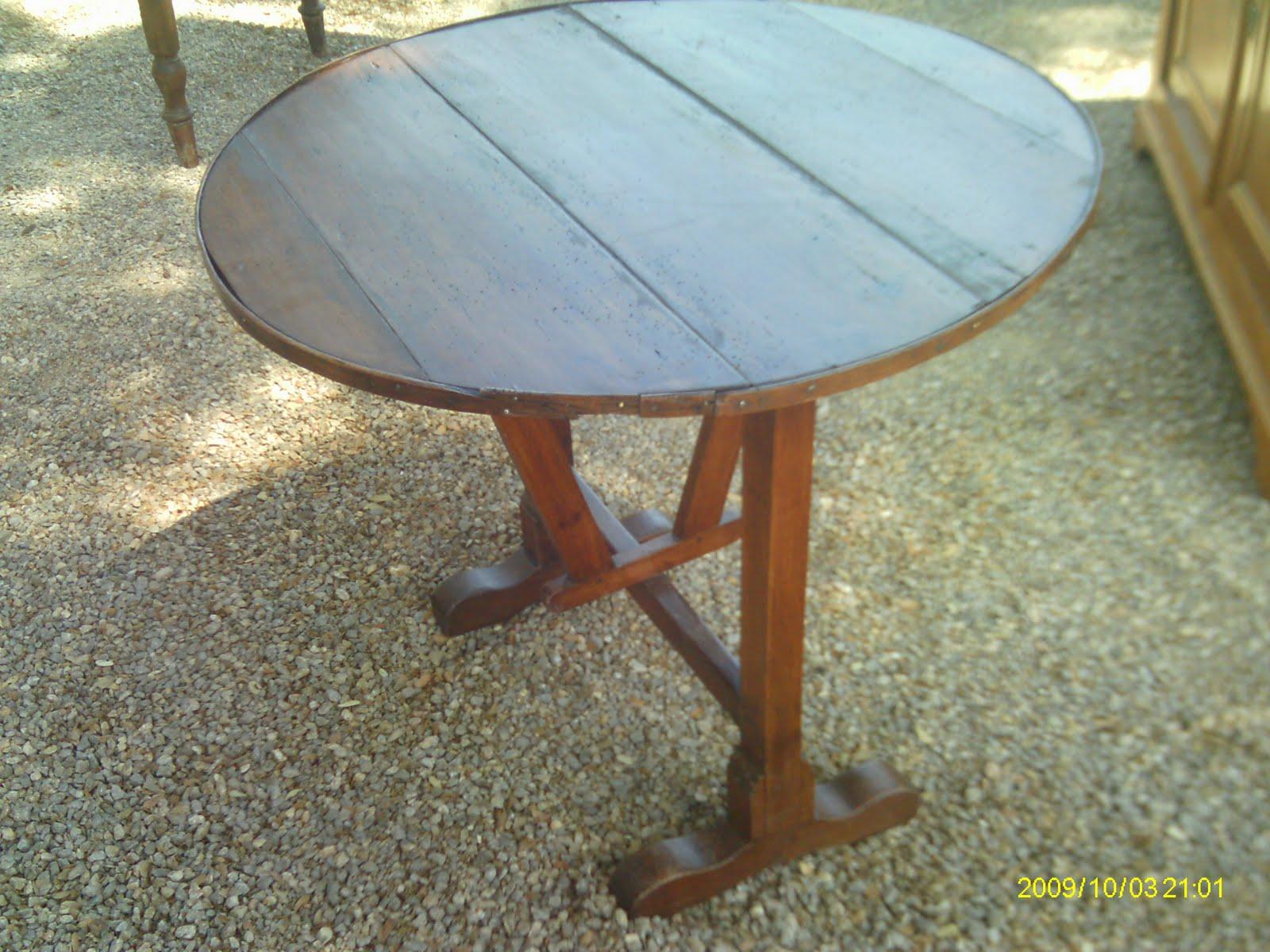 Authentique petite table de vigneron ancien oenologie for Table pliante petite taille