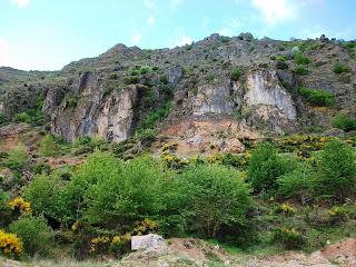 Cantera de caliza abandonada en Paradela de Muces (El Bierzo)