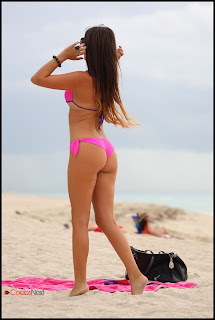 Claudia Romani Bikini Pictures at a Beach in Miami  0003.jpg
