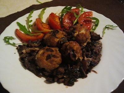 Polpette al forno con funghi champignon trifolati