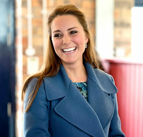 DUCHESS TO VISIT DOWNTON CAST