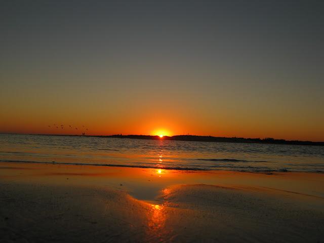 Atardecer en la playa de pinamar Canelones Uruguay