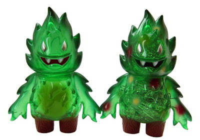 Super7 Blind Bagged Yuletide Honoo Vinyl Figure by Leecifer - Standard Undecorated Version & Chase Decorated Version