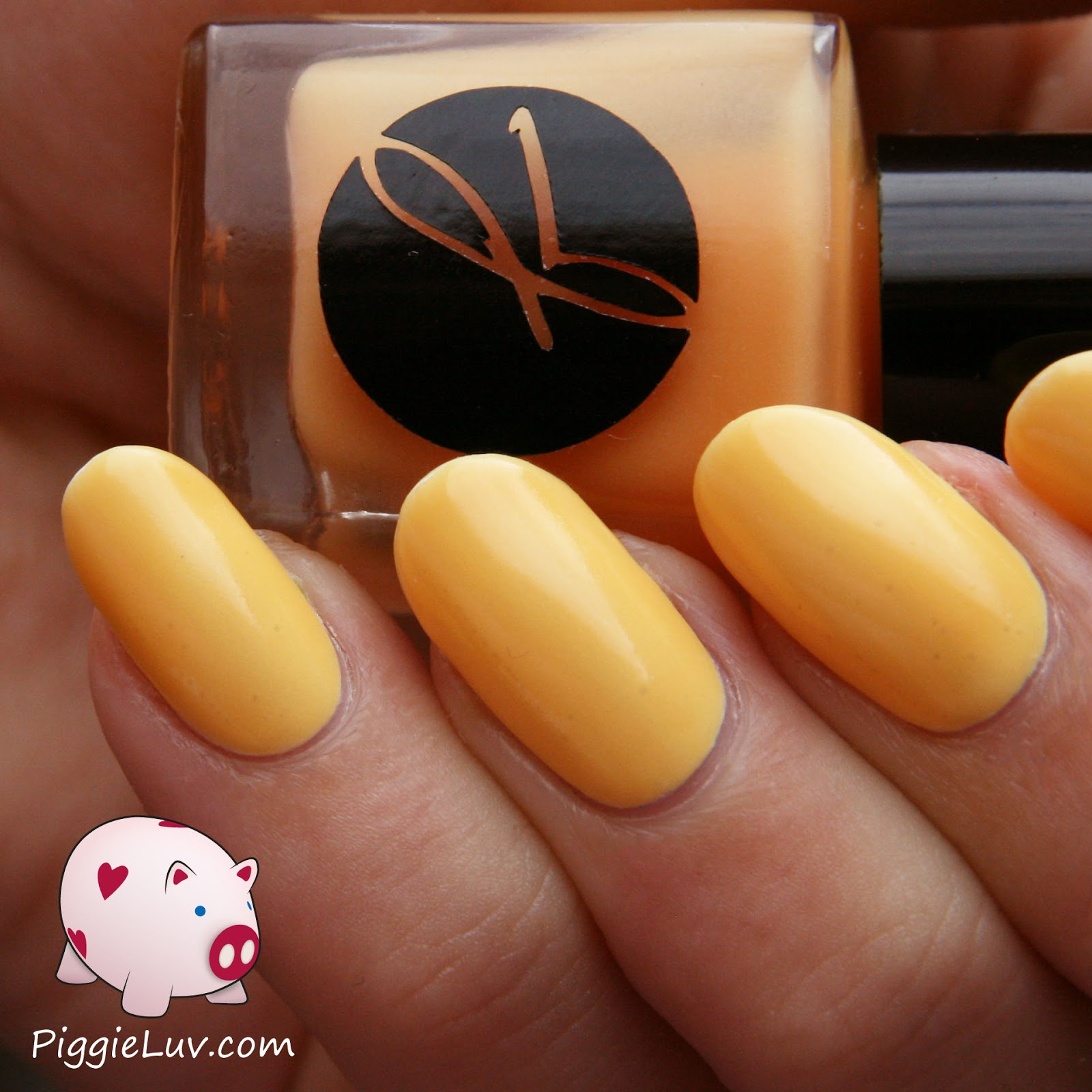 PiggieLuv: Jior Couture Nails And Drink collection