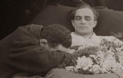 Diferente a los demás, 1919