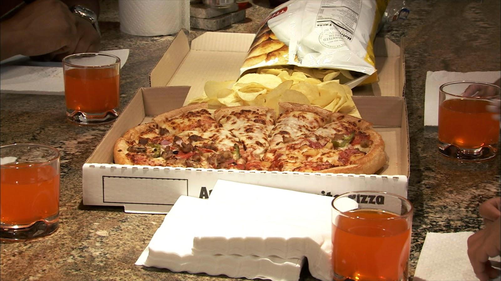طريقة عمل البيتزا بالفيديو