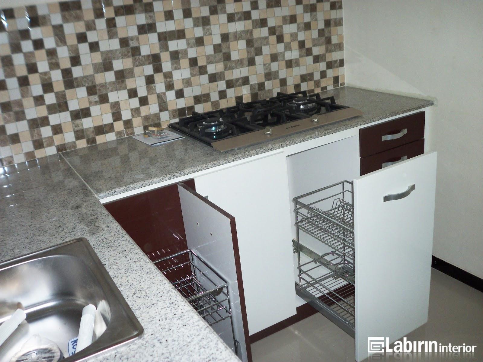 Kitchen set minimalis mungil harga miring kitchen set for Kitchen set bawah