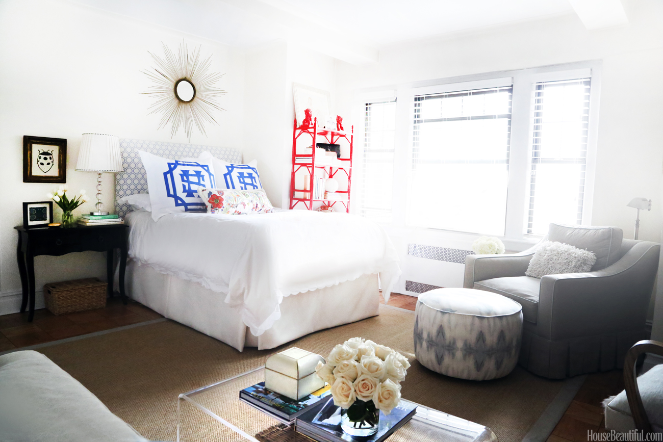 west village chic studio apartment tour michaela noelle. Black Bedroom Furniture Sets. Home Design Ideas