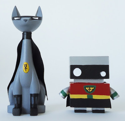 Argonaut Resins x The Jelly Empire New York Comic Con 2011 Exclusive Dynamic Duo Set - BatTuttz & Robin Bot Chase Resin Figures.JPG