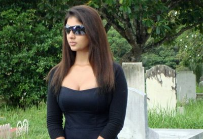 Nayanthara+hot+pics+in+billa