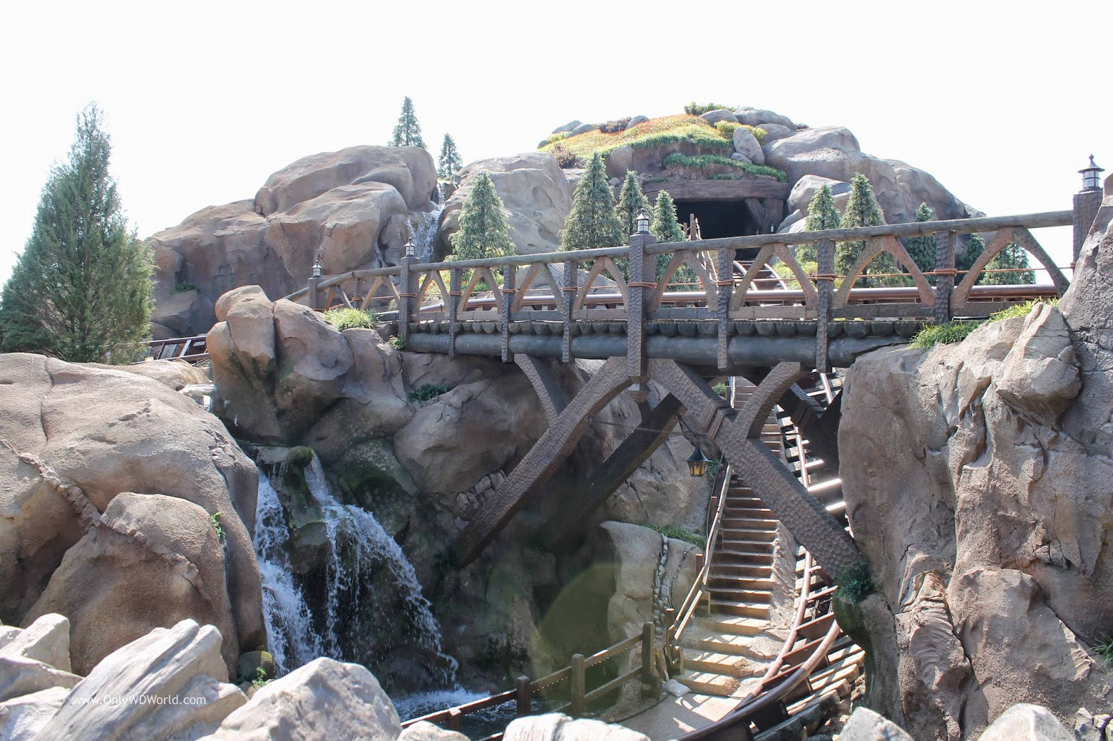7 dwarfs mine train coaster