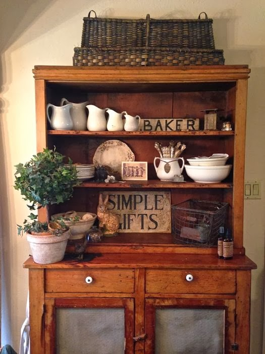 Tricia Everett's Primitive Decor  The Red Door Antiques