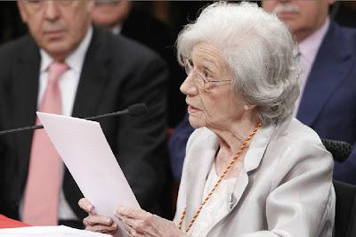 Ana María Matute durante su discurso. Foto: EFE